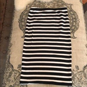 Black and white stripe stretch skirt. Size S
